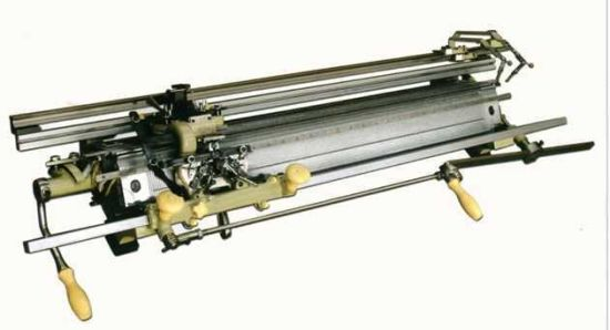 China Mn Hand Driven Flat Knitting Machine China Hand Driven Flat