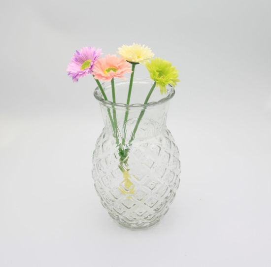 Popular Shape Pineapple Glass Vase/Flower Vase for Christmas Gift pictures & photos