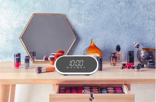 2019 New Private Model 3 in 1 Multifunctional Mirror Alarm Clock Portable Wireless Bluetooth Speaker Best Gift for Christmas
