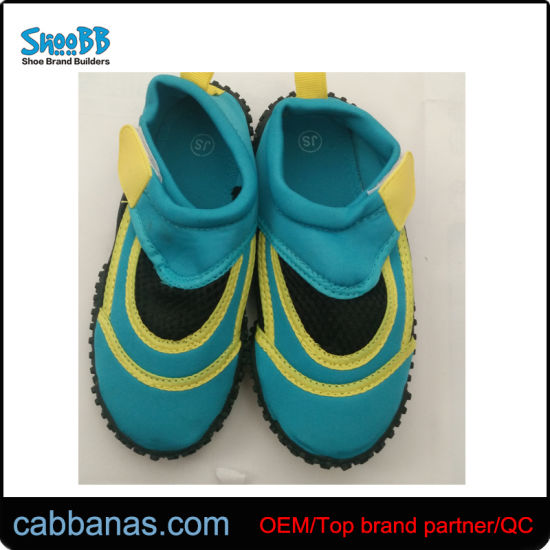 907c3d75ebc China Women′s Wide Water Sneakers with Great Price - China Water ...