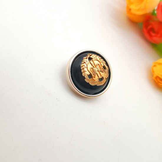 Fancy Vintage Round Flat Shank Metal Embossed Button for Women Clothes