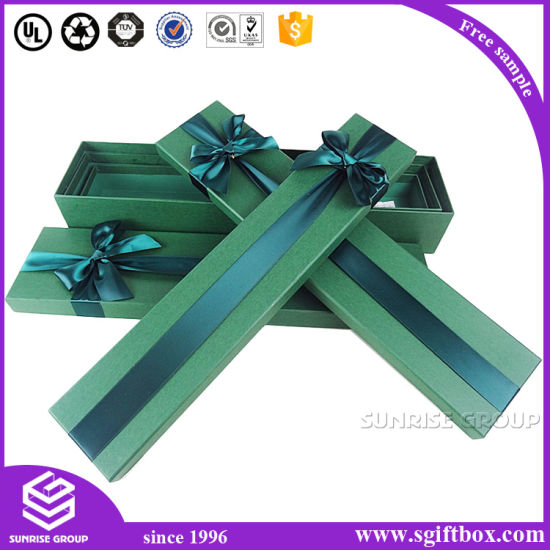 Customized Luxury Flower Cardboard Ribbon Gift Box pictures & photos