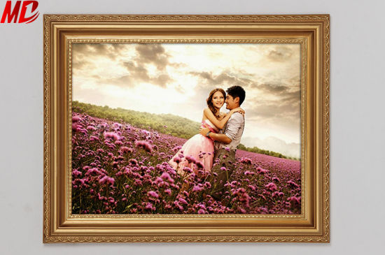Best Display Yellow Wooden Photo Frame Hanging Wall Wholesale pictures & photos