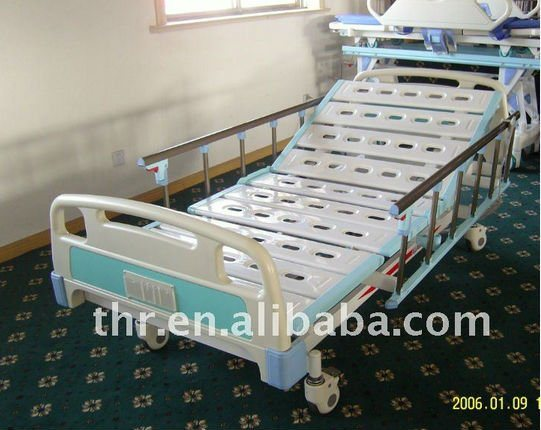 Three Function Electric Bed (THR-EB362) pictures & photos