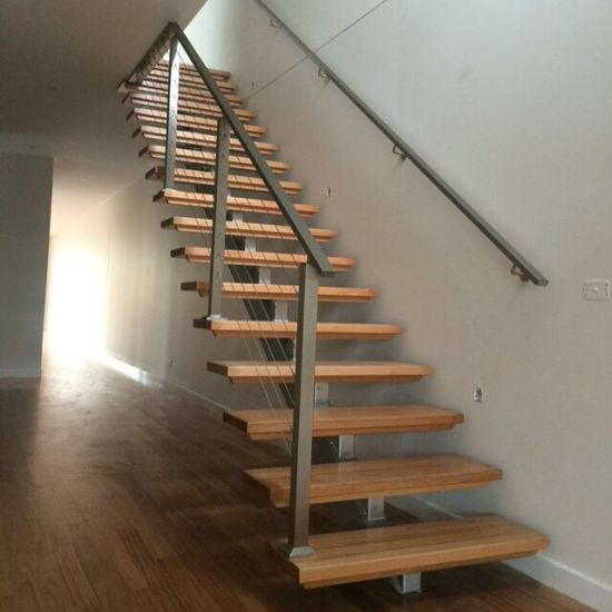 Solid Wooden Indoor Staircase With Metal Stringer Design