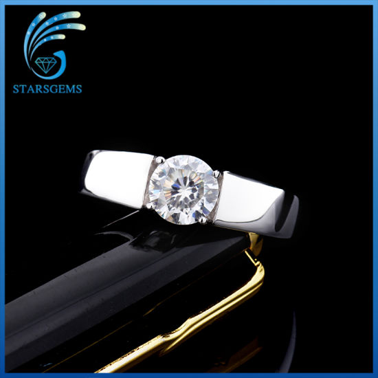 Fashion Style Round 2cts Moissanite Diamond Solitare Silver Ring pictures & photos