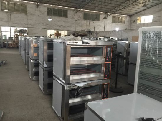 Triple-Layer Twelve-Tray Commercial Gas Oven for Bakery Pizza pictures & photos