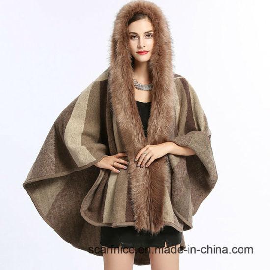 China Autumn Winter New Fashion Women Striped Knitted Cardigan