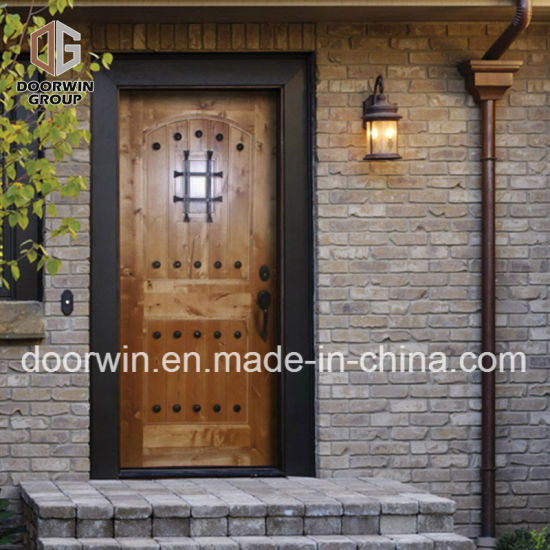 China Rustic Series Knotty Alder Exterior Wood Doors Solid Wood
