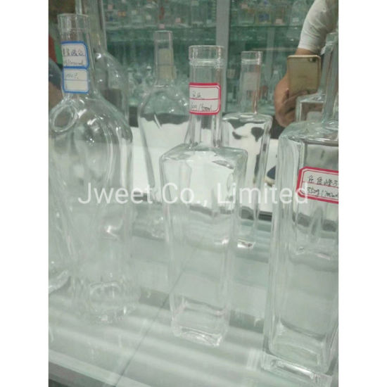 Square Highly White Clear 750ml Vodka Alcoholic Glass Bottle