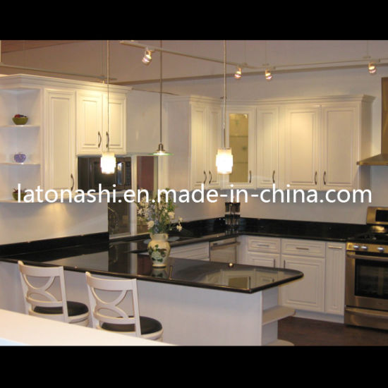 Best Prefabricated Black Galaxy Granite Stone Tile Worktop/Countertop for Kitchen pictures & photos