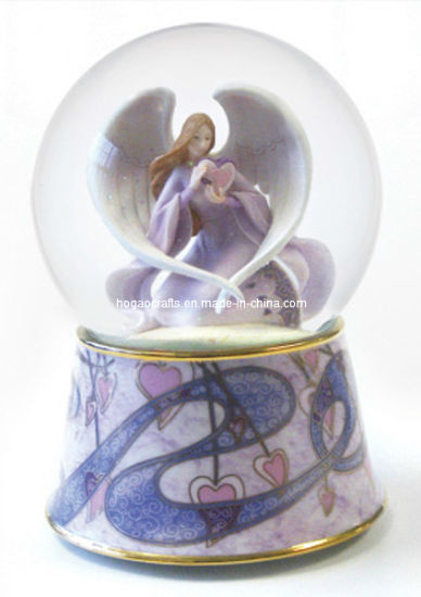 Europe Porcelain Angel Snow Globe Water Ball pictures & photos
