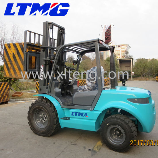 New Style Small 3 Ton Rough Terrain Forklift for Sale pictures & photos