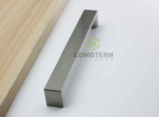 Zinc Alloy Modern Europen Style Furniture Kitchen Drawer Handle pictures & photos