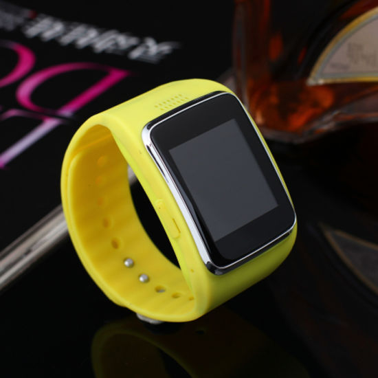1.54 Inch Capacitive Smart Wrist Phone with Camera pictures & photos