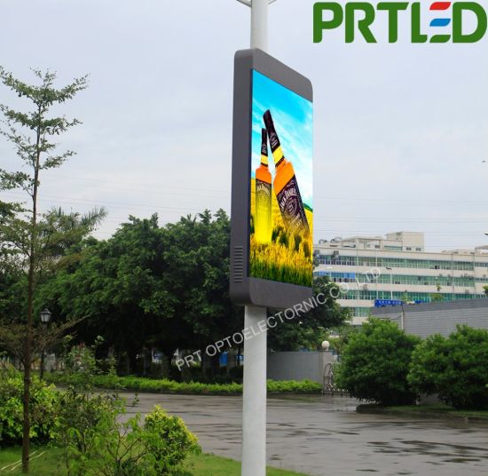 Wireless Controlled P5 LED Advertising Digital Signage with High Brightness 7000nits pictures & photos