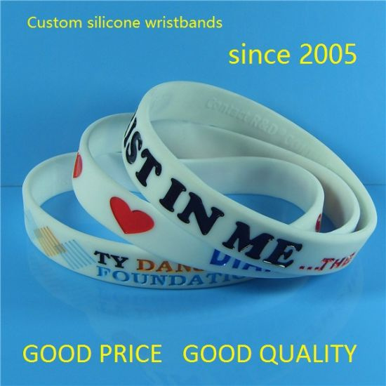 "Customized 1/2"" New Design High Quality Solid Color Debossed Color Filled Silicone Bracelets with Free Samples"