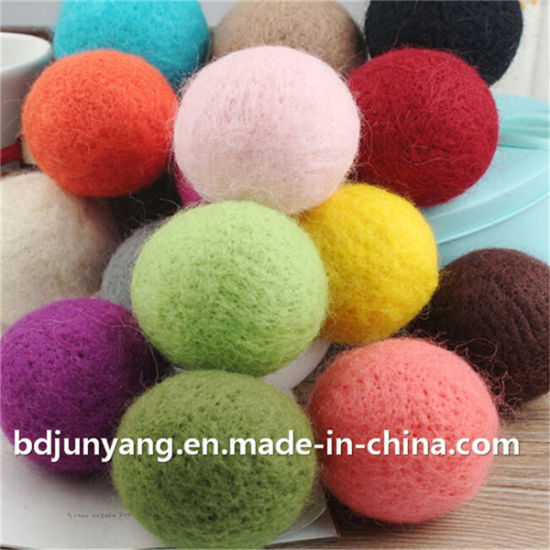 Room Decorating Colorful Christmas Felt Wool Ball with Wire pictures & photos