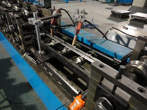 Auto Swisss Electric Cabinet Purlin Roll Forming Machine (BOSJ) pictures & photos