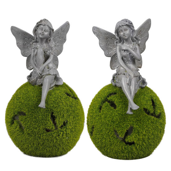 Amazon Hot Sell Artificial Moss Finished Flocked Resin Garden 2 Ass Fairy Ball Sitting Angel Figurine with Solar Light