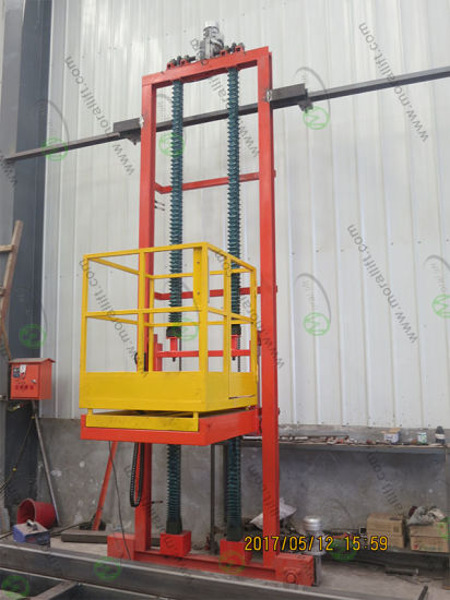 Three Dimensional 3 Axis Movement Vertical Platform Lift pictures & photos