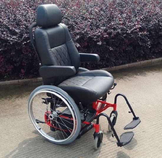 Lifting Seat with Wheelchair for The Handicapped with 150kg Loading pictures & photos