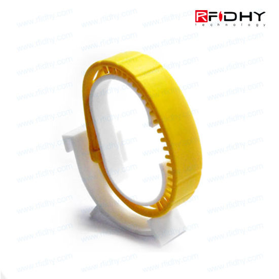 Low Cost 13.56MHz Waterproof RFID Wristbands Silicone pictures & photos