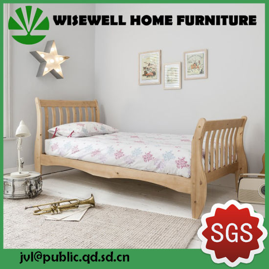Pine Wood Bedroom Sleigh Slat Bed in Single Size pictures & photos