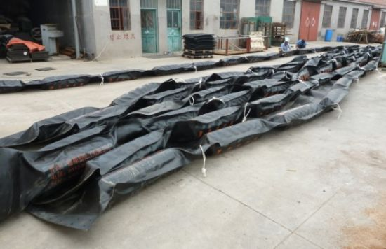 Fire Heat Resistant Inflatable Rubber Oil Spill Boom pictures & photos