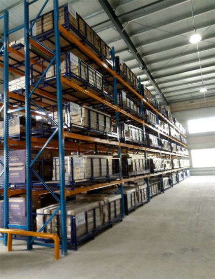 Very Narrow Aisle Pallet Rack for Warehouse Storage pictures & photos