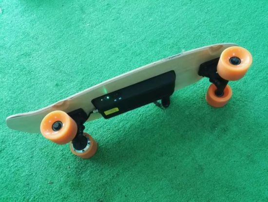 4 Wheels Skateboard with Remote Control pictures & photos