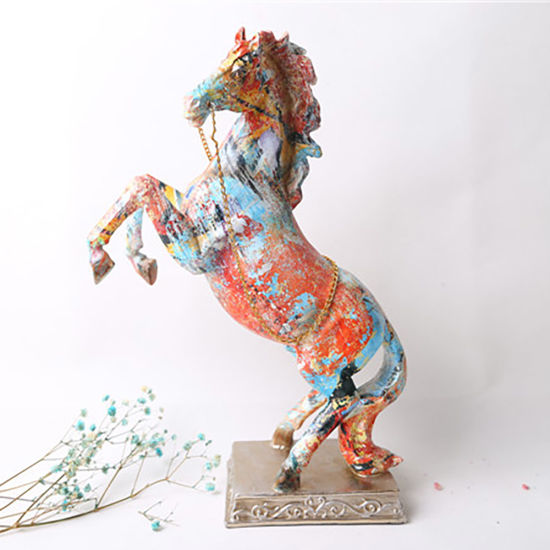 Hot Selling Resin Craft Decoration Figurine Polyresin Beautiful Hores for Home Decor