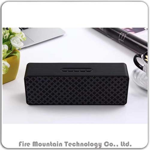 BS215 Portable Mini Bluetooth Speaker with FM Radio Speaker FM+TF+U-Disk
