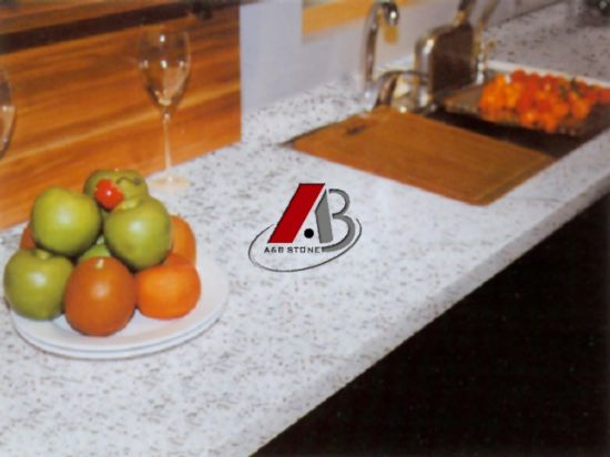 Polished Granite Countertop & Vanity Top G682 Rusty Yellow pictures & photos