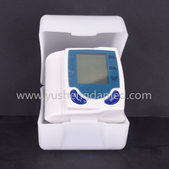 Ce Approved Hospital Diagnosis Equipment Digital Blood Pressure Monitor pictures & photos