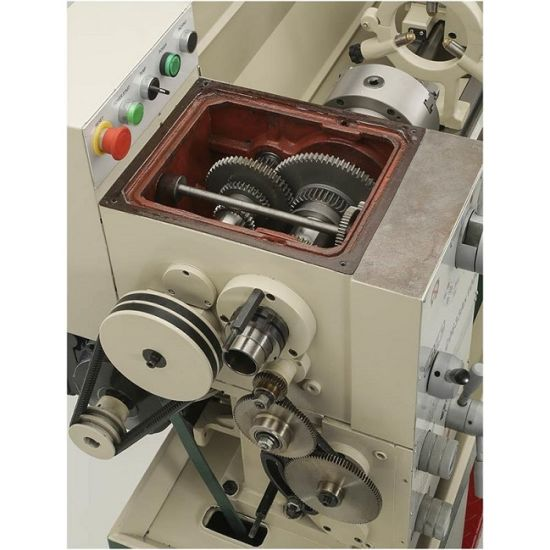 Universal Precision Turning Machine Bench Metal Lathe (mm-D330X1000) pictures & photos
