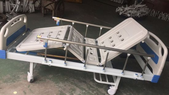 Two Cranks Manual Medical Bed (THR-MBFY) pictures & photos