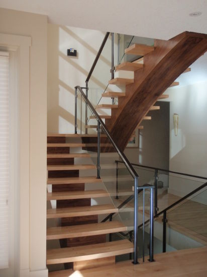 U Shape Timber Staircase Wood Stringer Open Riser