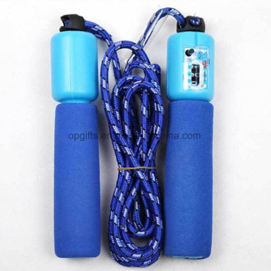 Adjustable Cotton Rope Skipping Rope PVC Jump Rope with Counter pictures & photos