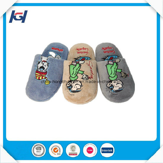 Winter Warm Fashion Embroidery Custom Slippers for Men pictures & photos
