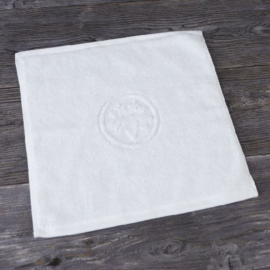 Very Small Jacquard Face Towel Promotional Cheap Price Hotel Towel pictures & photos