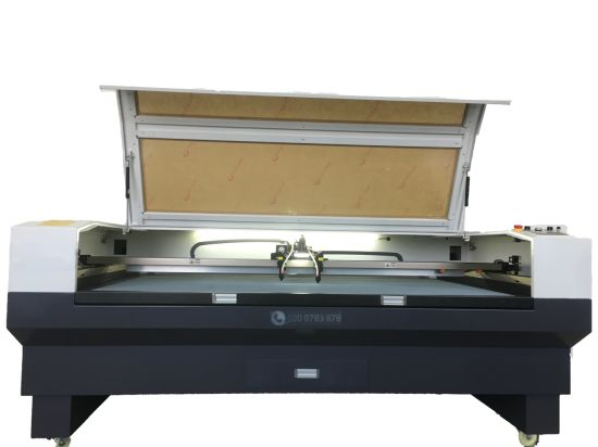 Cn1810s-CCD Auto Positioning CO2 Laser Cutting Machine with Double Heads