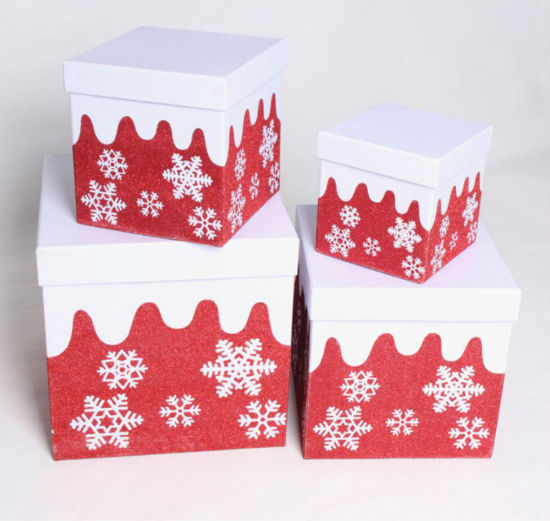Christmas Gift Packaging Box with Simple and Elegant Snowflak Design