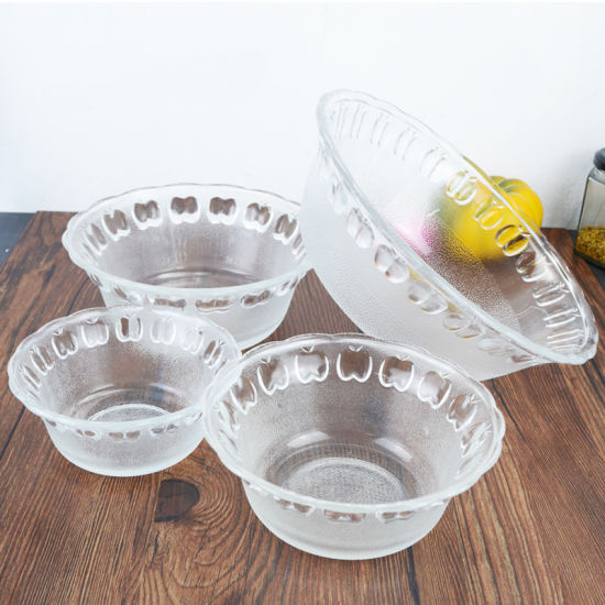 Variety Sizes Clear Strawberry Glass Bowls for Tableware pictures & photos