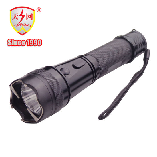 Tactical Rechargeable Police Stun Gun & LED Flashlight pictures & photos