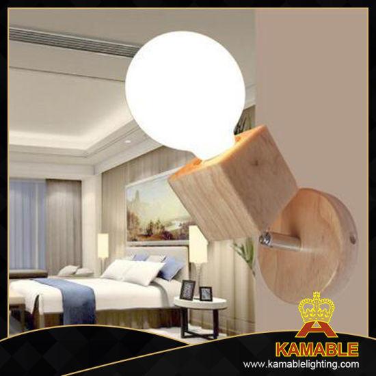 Modern Wood Wall Bracket Light with Glass Lamp Shade (KAW1017)