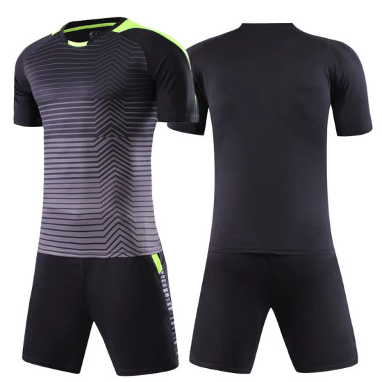 a75a109ea27 China Manufacturer Men′ S Customized Sport Wear Football Suit Soccer ...