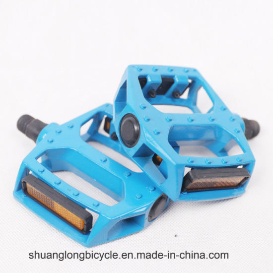 Hot Sell Aluminum Alloy Bicycle Pedal for Mountain Bike (9343) pictures & photos