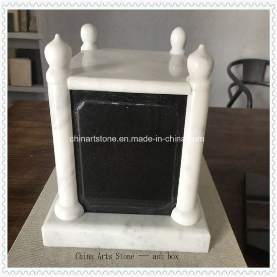 Black and White Marble/ Granite Tombstone for Memeory Ash pictures & photos