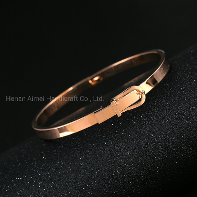 Gold-Plated Copper Bangle Fashion Buckle Bracelet Jewelry pictures & photos